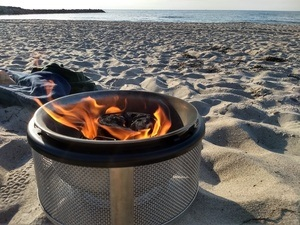 Bordgrill am Strand