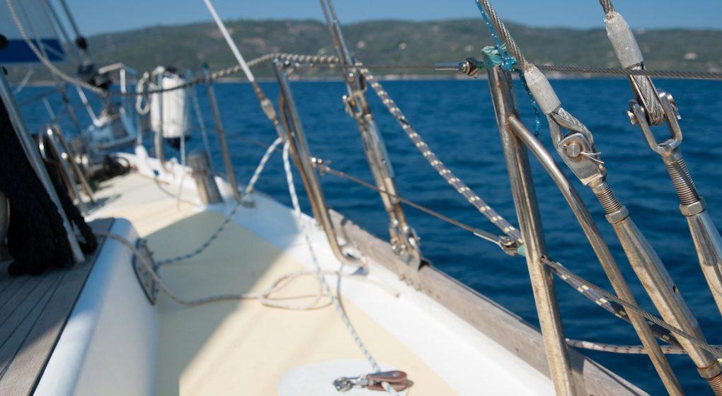 Alte Wanten am Gebrauchtboot